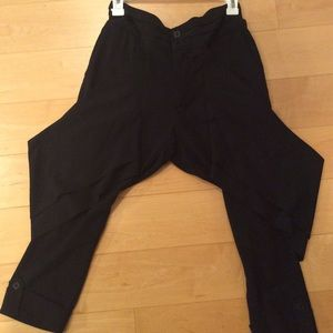 Alice & Olivia black cropped harem pants